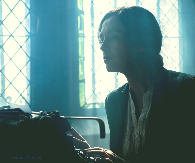 deeper - on writing, faith, invitation and grace - #oneword365 @wordsofjoy.me