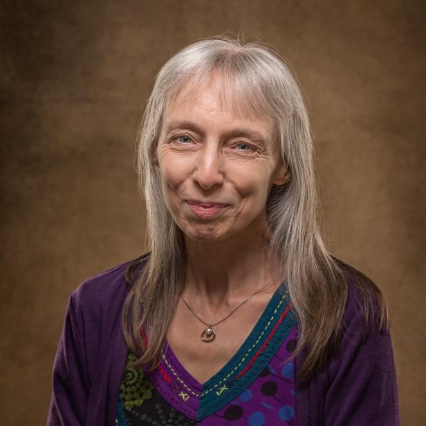 Joy Lenton - bio image for books and social media (C) joylenton @joylenton.com